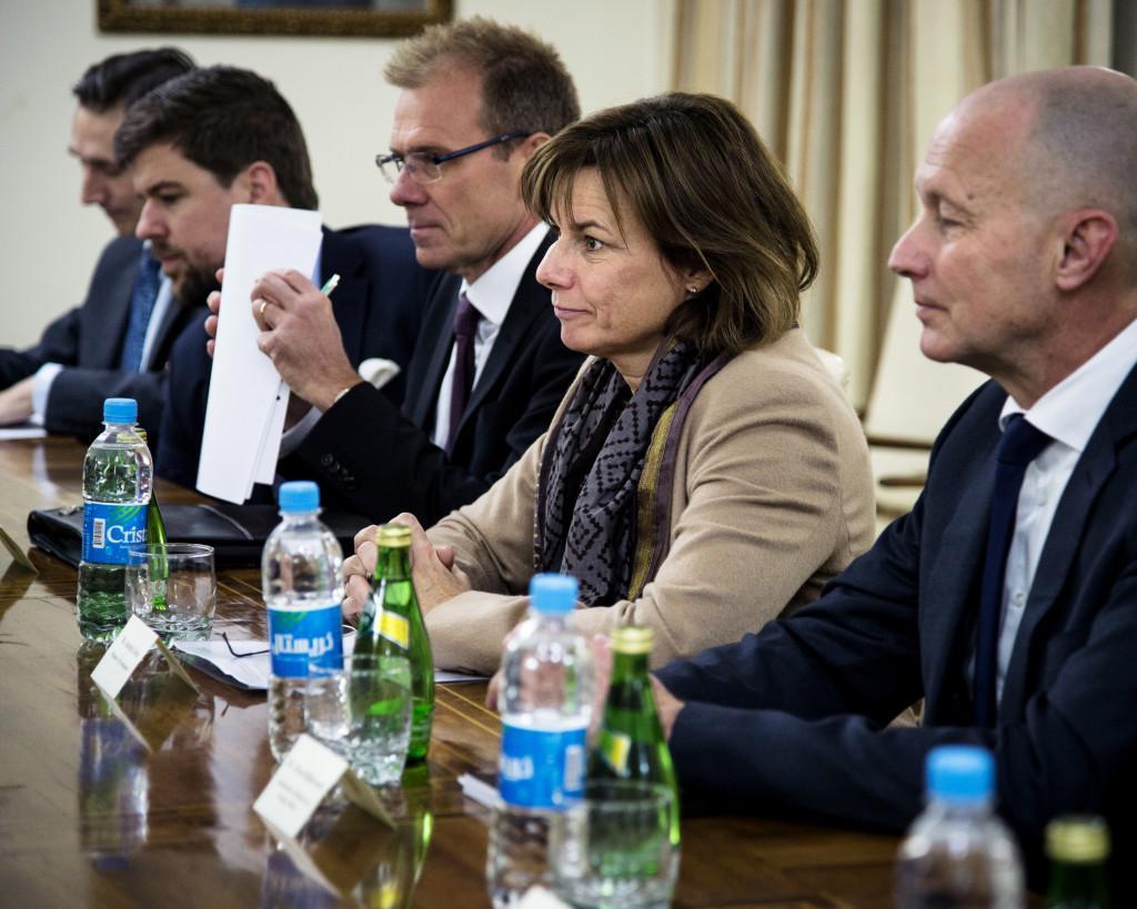 Den svenska delegationen fr hö Robert Peszkowski, Gabriel Liljenström, Sveriges ambassadör i Kabul Anders Sjöberg, biståndsminister Isabella Lövin och Jöran Bjällerstedt.